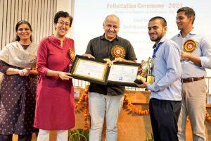 Manish Sisodia felicitates students of Industrial Training Institute, Delhi Government