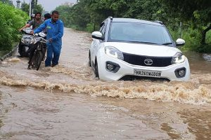 Heavy rains lash Delhi, NCR; waterlogging and traffic jams reported from many areas