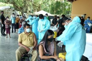 SL plans lockdown extension, vaccine rollout to curb Covid spike