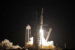 SpaceX launches 4 amateurs on private Earth-circling trip