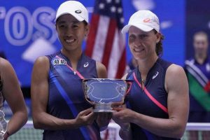 Stosur-Shuai pair clinches US Open women's doubles title