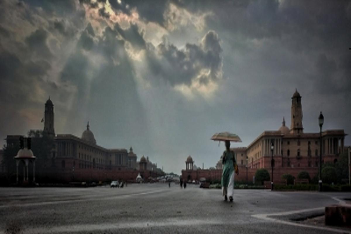 Light rain, national capital