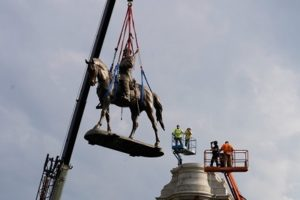 Virginia removes Confederate General's statue from capital city