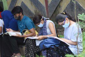 TN students, parents upbeat over helpline for NEET aspirants