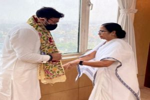Babul meets Mamata in Nabanna, says touched by her warmth, affection