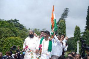 Karnataka Assembly session: Cong leaders ride bullock carts, Yediyurappa sits in last row