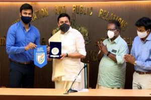 Kerala Govt, AIFF to collaborate for development of football