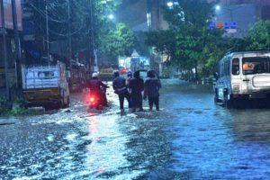 Heavy rains lash Telangana, more in store