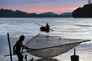 Coast guard rescues 7 fishermen in Diu