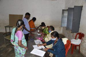 Firing at polling booth during panchayat polls in Bihar's Aurangabad