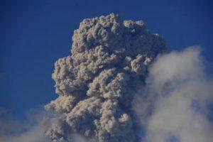 Over 5K people evacuated as volcano erupts on Spain's La Palma island