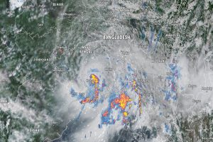 Heavy rain with thunderstorms throughout the night, warning of heavy rain in disaster clouds issued : Bengal