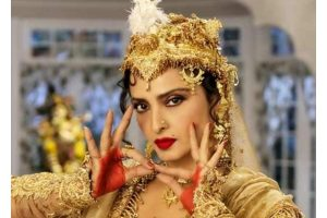 10 times when Rekha proved that 'Age is just a number'