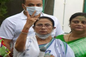 Mamata, two other TMC MLAs take oath at state Assembly