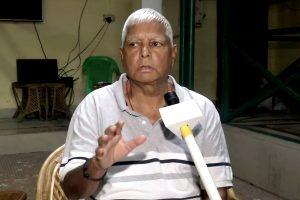 Amid Bihar grand alliance 'trouble', Sonia Gandhi speaks to Lalu