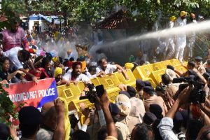 AAP stages protest in Chandigarh against 'Lakhimpur carnage'