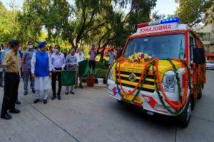 Two Delhi hospitals get 5 high-tech ambulances