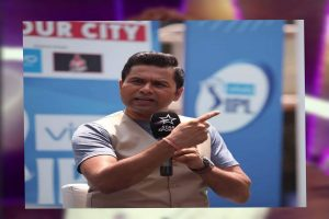 Aakash Chopra's IPL commentary in 7 Indian languages leaves fans clean bowled!