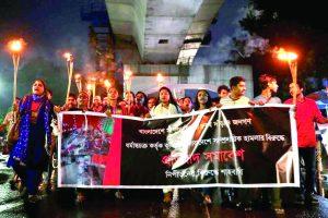 India must be mature in tackling Bangladesh