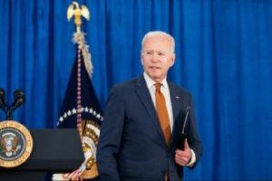 Biden urges businesses to implement vaccine mandates amid pushback