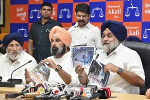 Kejriwal lying on Delhi Health Sector achievements: Badal
