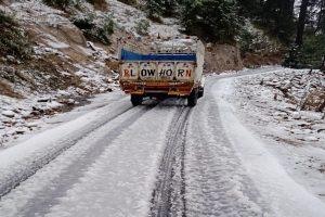 Three members of nomad family killed as snow, rain lash J&K