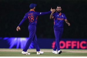 Mohammed Shami subjected to online abuse after India suffer defeat against Pak