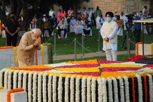 President, PM, other political leaders pay tribute to Mahatma on 152nd birth anniv