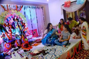 Bengal cases dip amidst Puja throng, expert refutes