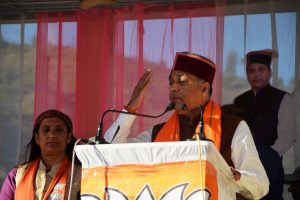 """Jubbal-Kotkhai by-poll, Dynasts and a """"Commoner"""" in triangular fight"""
