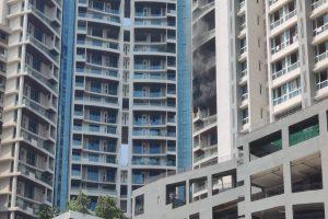 Mumbai blaze: 30-yr-old man tries to escape, falls to death