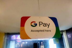 Google pauses plans for Plex services